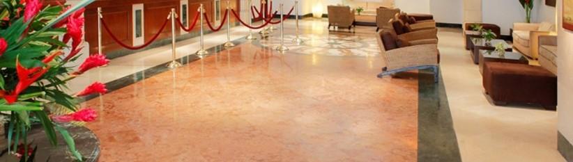 Recepción. Fuente: hotelalmirantecartagena.com.co